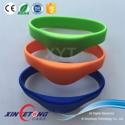 Long distance UHF 900Mhz RFID Wristband for access control